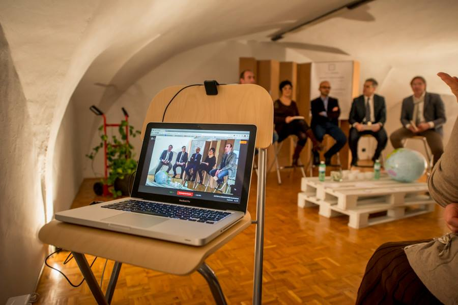 Presentazioni libri :: SPAZIO UNODUE :: Coworking e spazio eventi a Siena